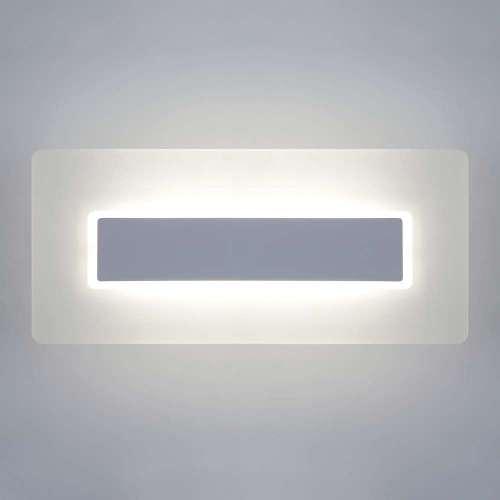 Настенный светодиодный светильник 40132/1 LED белый Eurosvet
